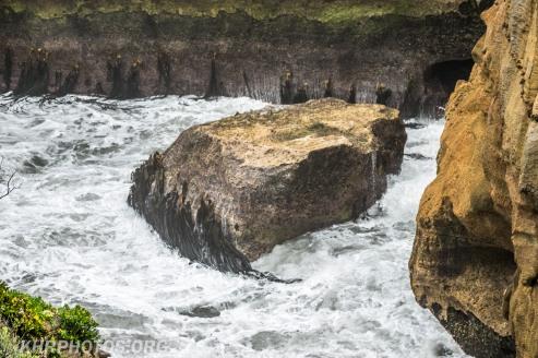 blow hole at Pancake Rocks not enough tide to work
